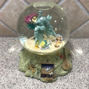 RARE Vintage The Little Mermaid snow globe